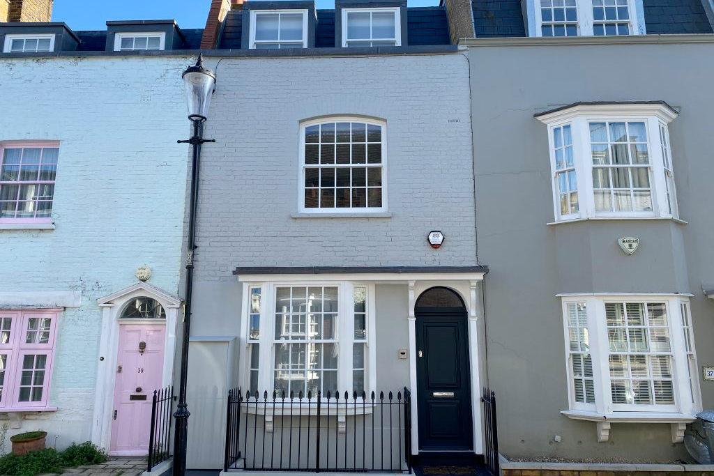 For Sale: Godfrey Street, London SW3
